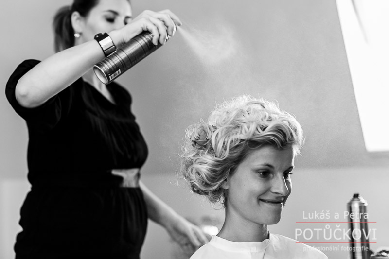 svatebni-fotografie-kalikovsky-mlyn_001